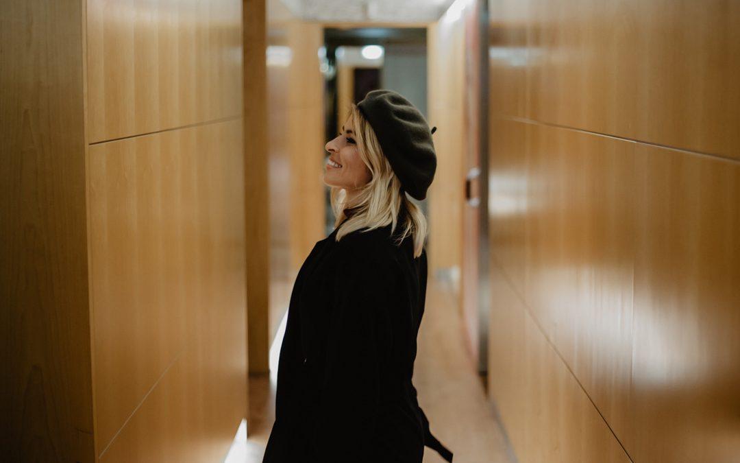 Maria Sampaio faz tratamentos faciais para reduzir manchas